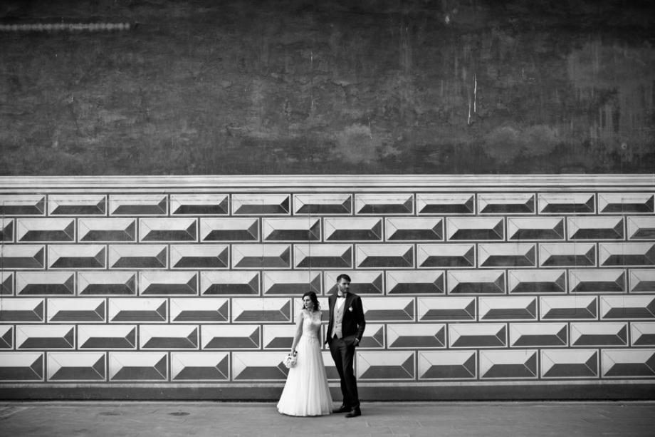 Hochzeitsfotos vom Brautpaar beim Fürstenzug in Dresden