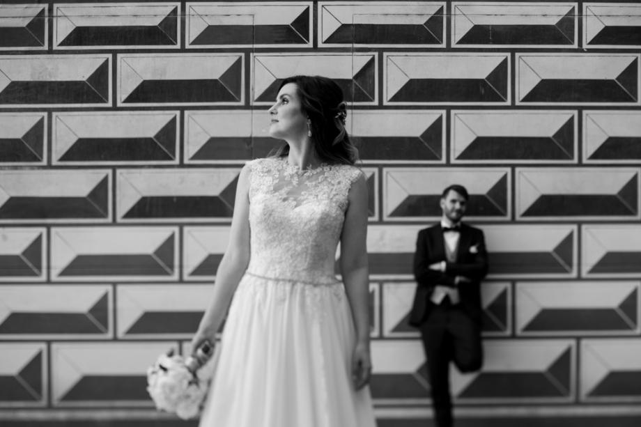 Hochzeitsfotoshooting in Dresden Altstadt beim Fürstenzug